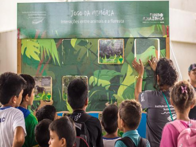 Estratégia de educação ambiental dissemina informações para a conservação da Amazônia